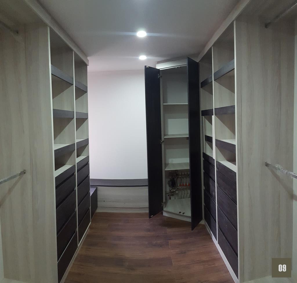 Walkink Closet